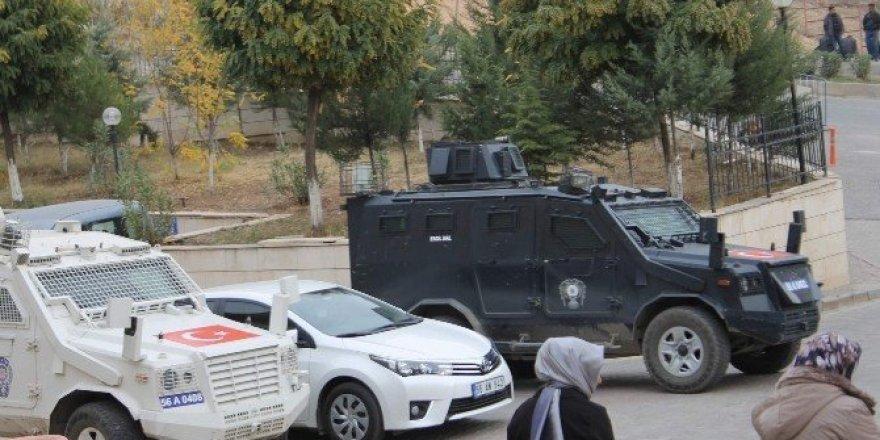 Siirt Belediye Başkanı Bakırhan, tutuklanma istemiyle adliyeye sevk edildi