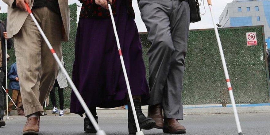 Türkiye'de her bin kişiden 3'ü görme engelli