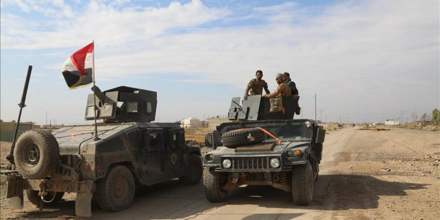 Iraqi army, militias capture villages, base near Mosul