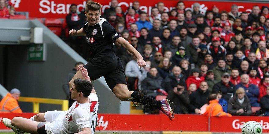 Gerrard, hem takım hem meslek değiştiriyor