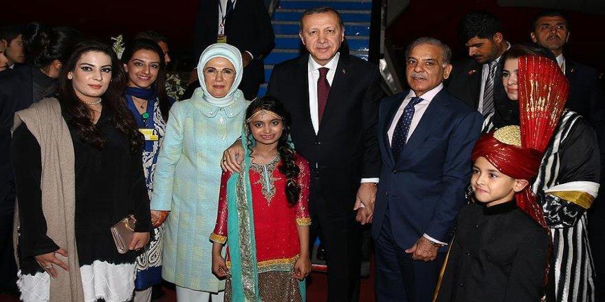 Pakistan'da Cumhurbaşkanı Erdoğan onuruna yemek