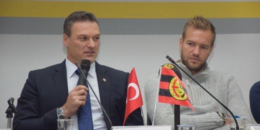 """Alpay Özalan ve Ruud Boffin ile """"Futbola Dair"""""""