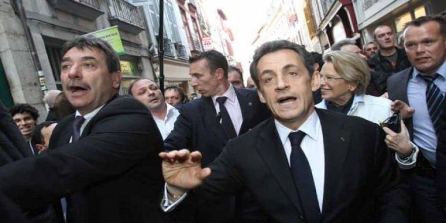 Sarkozy ilk turda elendi