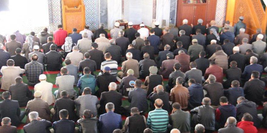 Şırnak'ta 8 ay sonra ilk cuma namazı kılındı