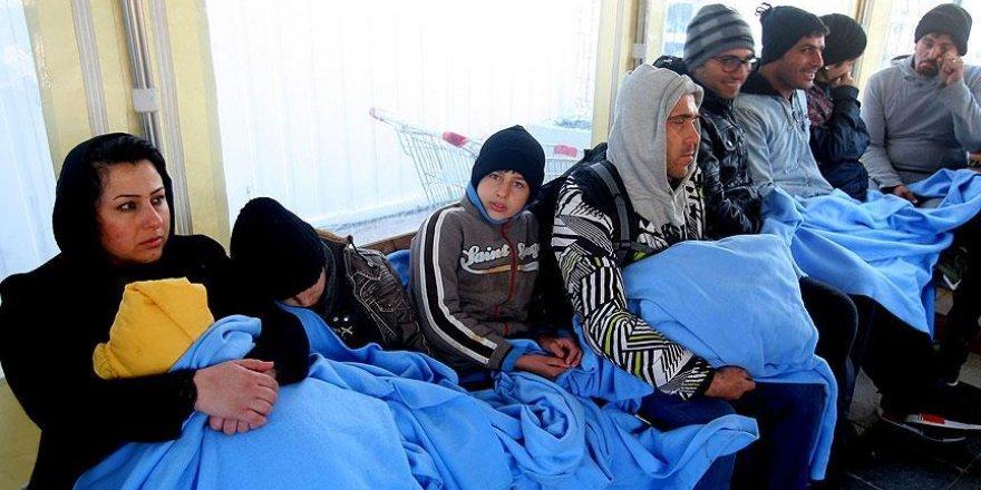 Çeşme'de 27 yabancı uyruklu yakalandı