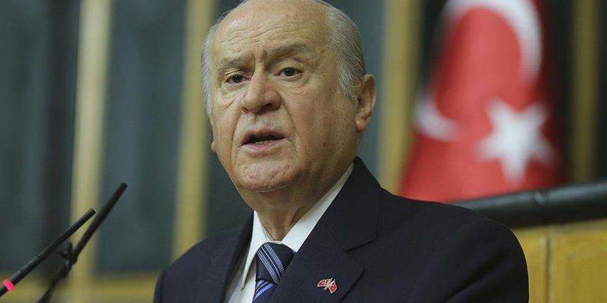 MHP'li hukukçulardan Bahçeli'ye anayasa raporu