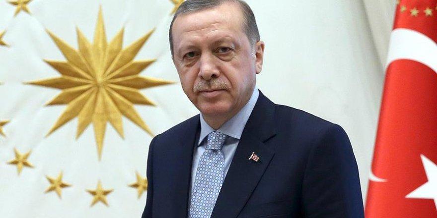 Erdoğan, altın madalya alan Reçber'i kutladı
