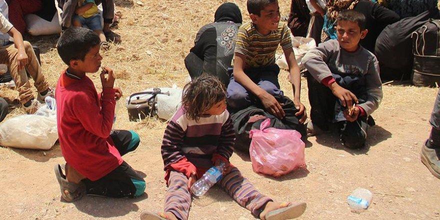 PYD/PKK Suriye'de 2 bin öğrenciyi okulsuz bıraktı