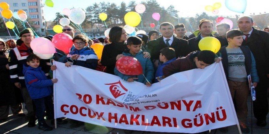 Çocukların balon izdihamı