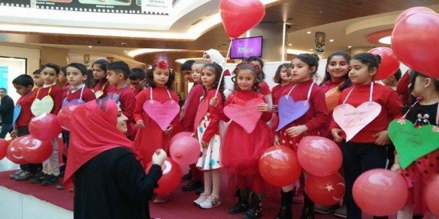 Şiirler ve şarkılarla çocuk haklarına dikkat çektiler