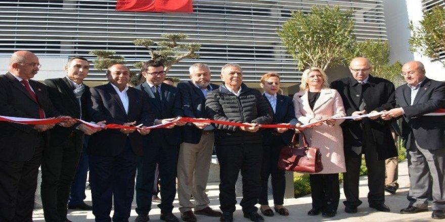 Bergama'da 7 milyona mal olan 350 araçlık otopark hizmete açıldı