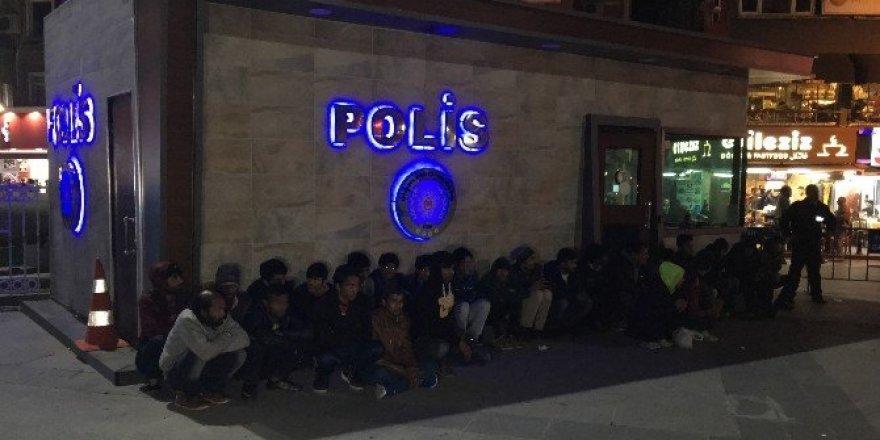 İstanbul'da kaçak göçmen operasyonu: 40 gözaltı