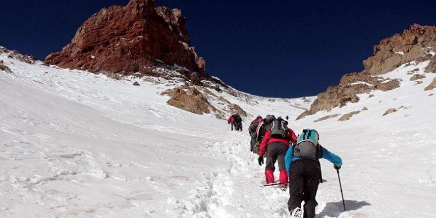 'Dağlarımızı dünya dağcılarına açacağız'