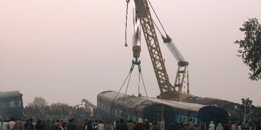 Hindistan'daki tren faciasında ölü sayısı 142'ye yükseldi