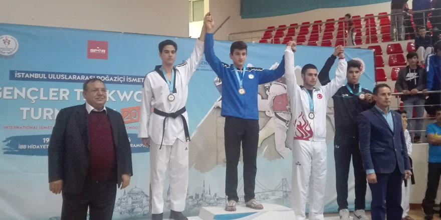 Batuhan Şimşek'ten altın madalya