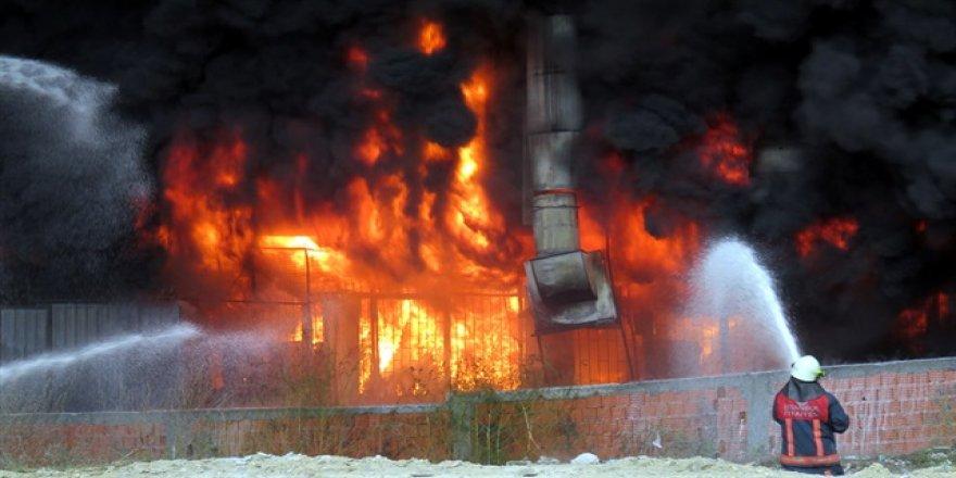Bayrampaşa'da yangın sebebiyle okullar tatil edildi