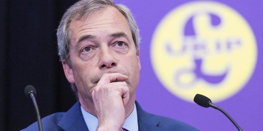 İngiliz hükümeti Trump'ın Farage'a elçilik önerisinden rahatsız