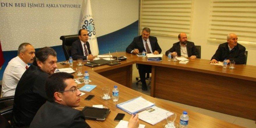 Başkan Altay, mahalle muhtarlarıyla görüştü