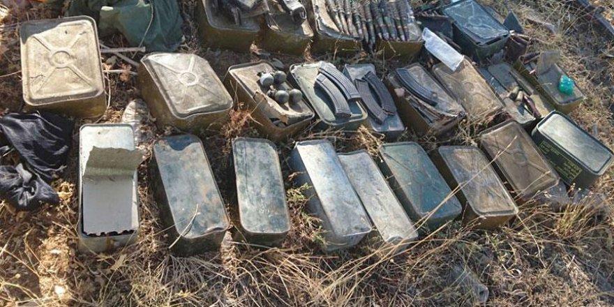 Patlayıcı yapımında kullanılan çok sayıda malzeme ele geçirildi
