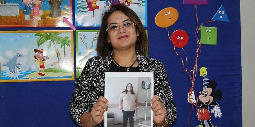 Öğrencileri için 10 ayda 50 kilo verdi