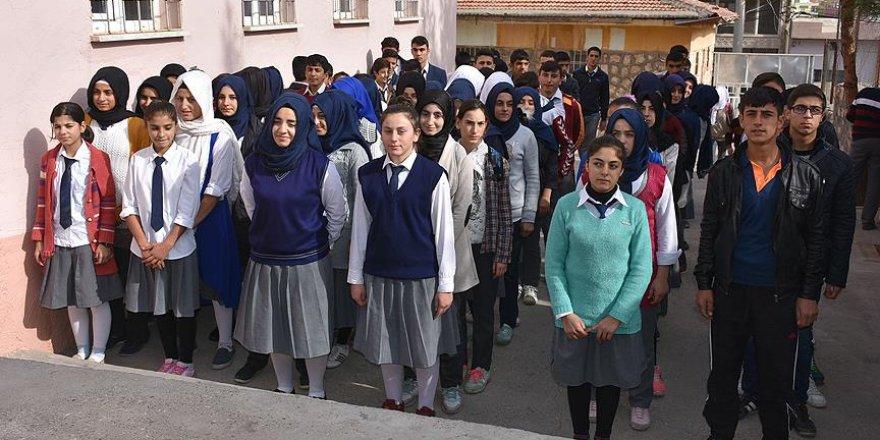 Köy köy dolaştılar kızları okula kavuşturdular