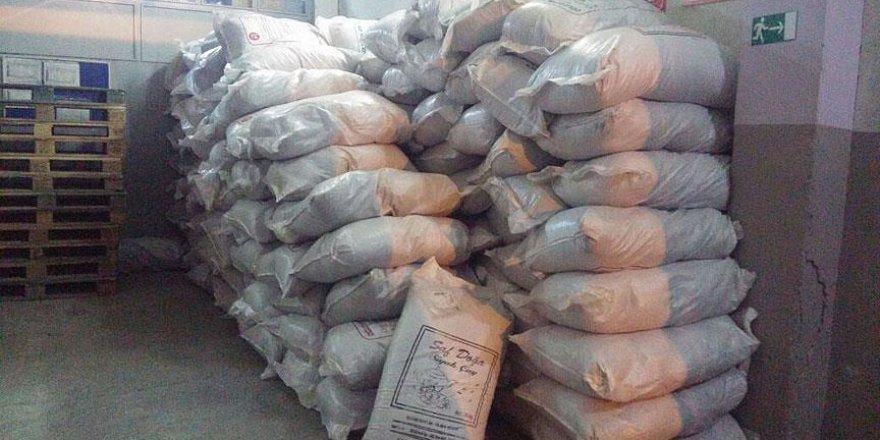 Van'da 14 ton kaçak çay ele geçirildi