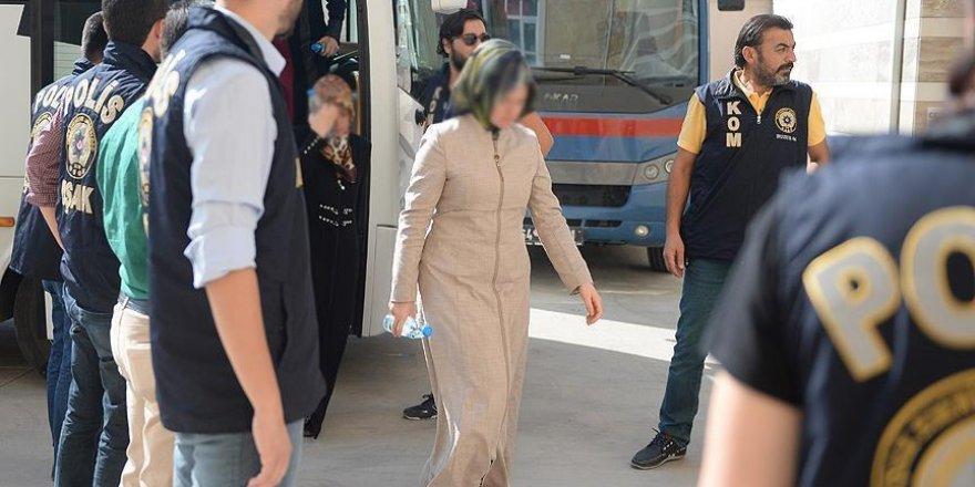 FETÖ 'ablalarına' yönelik operasyon: 8 tutuklama