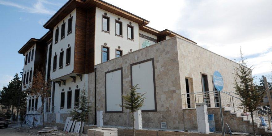 Büyükşehir'den Bozkır'a şehir konağı