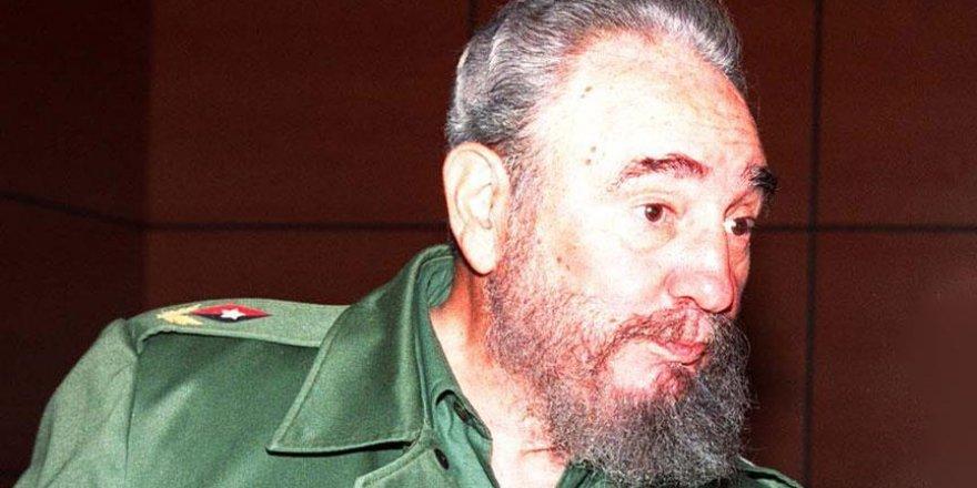 Küba eski Devlet Başkanı Fidel Castro hayatını kaybetti