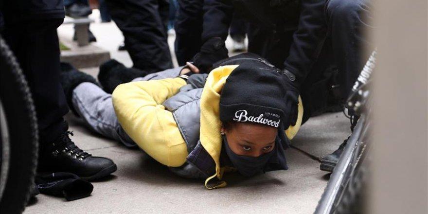 Chicago'da 'Kara Cuma' protestosu