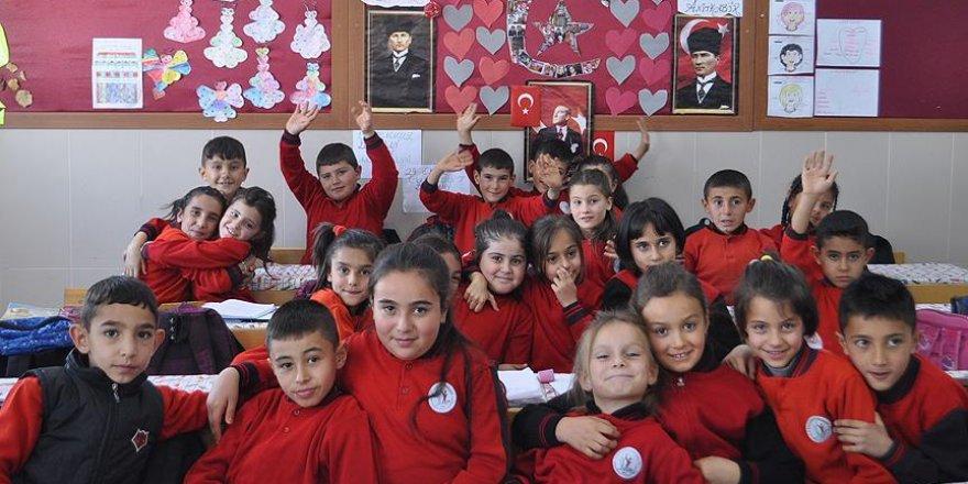 Minik yüreklerden '15 Temmuz şehitleri' klibi