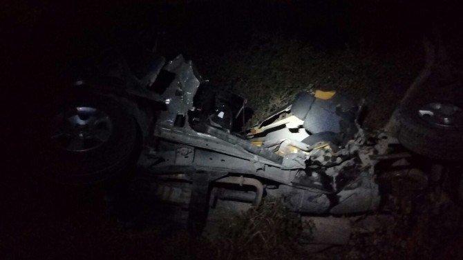 Hatay'ta hemzemin geçitte stop eden cipe tren çarptı