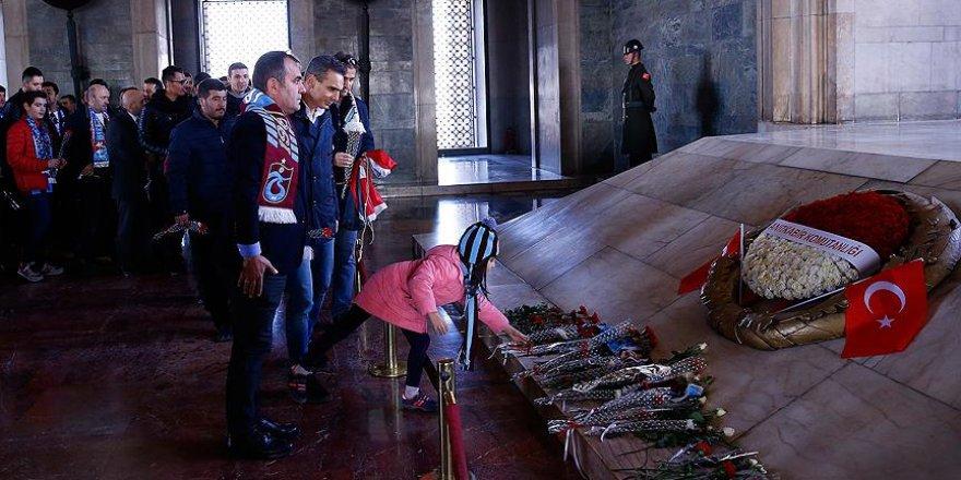 Trabzonsporlulardan Anıtkabir ziyareti