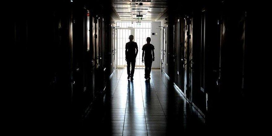 Cezaevindeki çocuklar için 'ücretsiz mektup' uygulaması