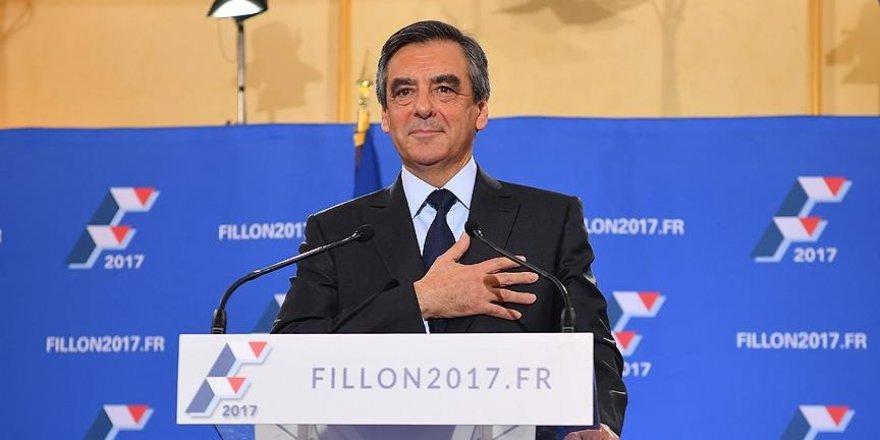Fransa'da merkez sağ 'Fillon' dedi