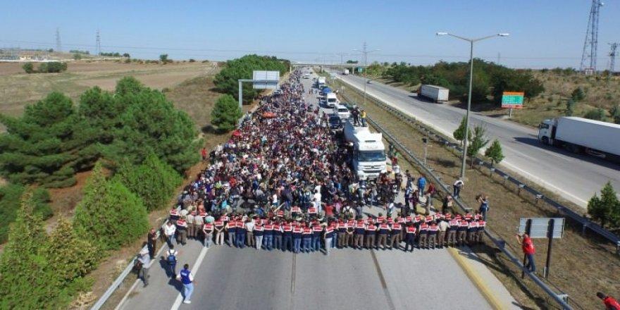 Türkiye kapıları açarsa Suriyeliler ne yapacak?
