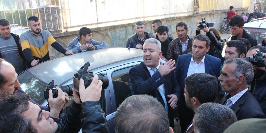 Pazarcılar ile belediye arasında gün tartışması