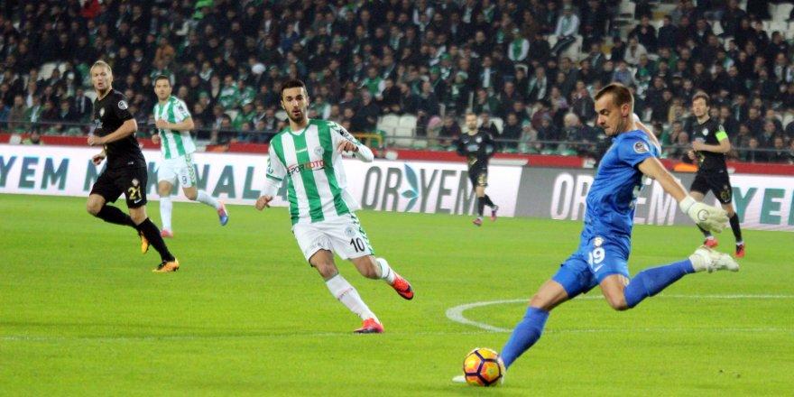 Konyaspor tek puanı Rijad Bajic'le kurtardı