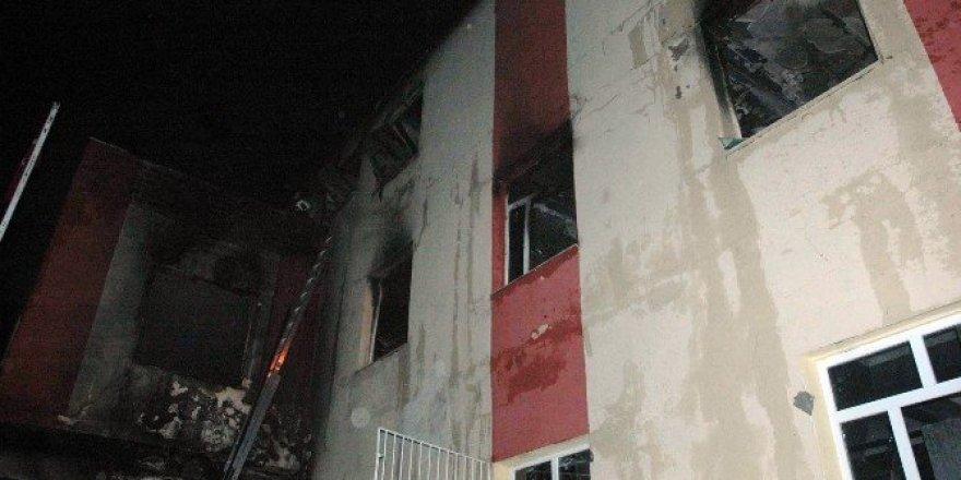Adana'daki yurt yangını eskiyen şartellerden çıktı