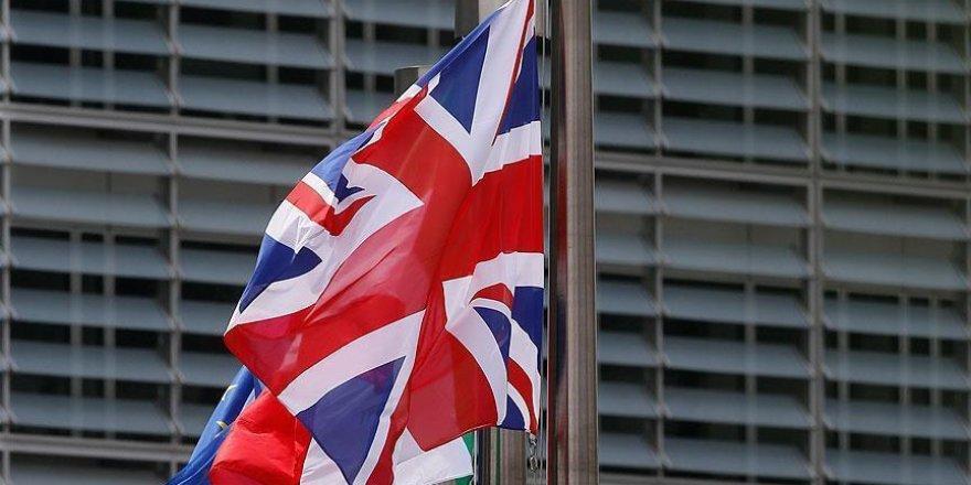 İngiltere'de kriz, Devlet Bakanı istifa etti!