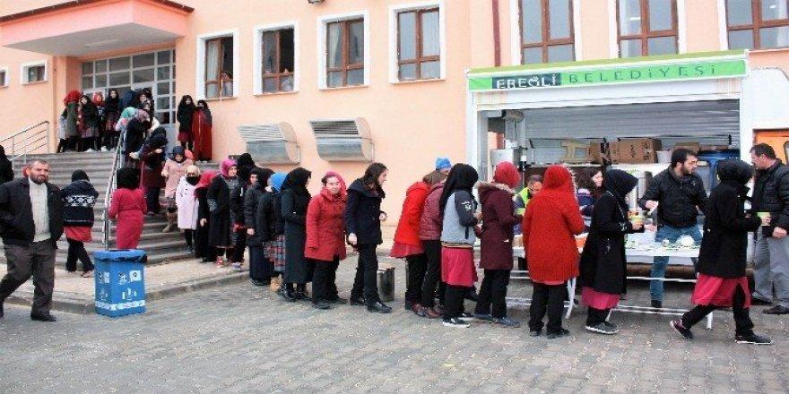 Ereğli Belediyesi öğrencilerin içini ısıttı