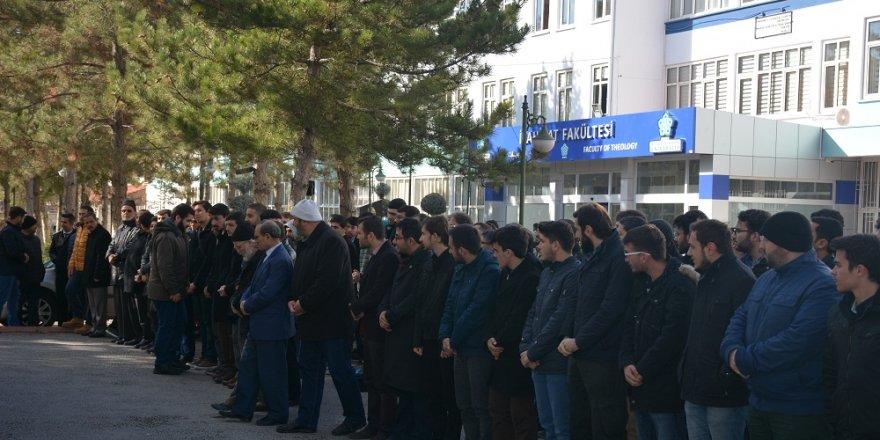 Konya'da Halep'te hayatını kaybeden siviller için gıyabi cenaze namazı