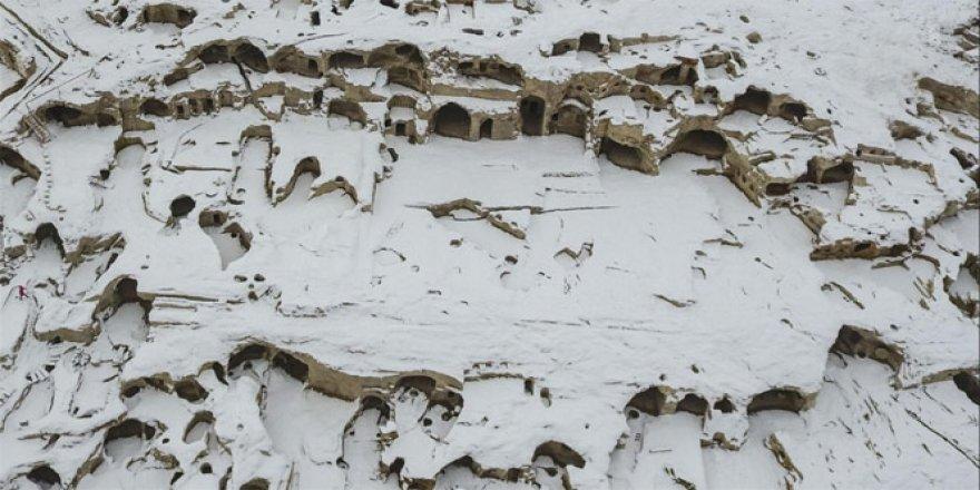 Dünyanın en büyük yeraltı şehri karla kaplandı