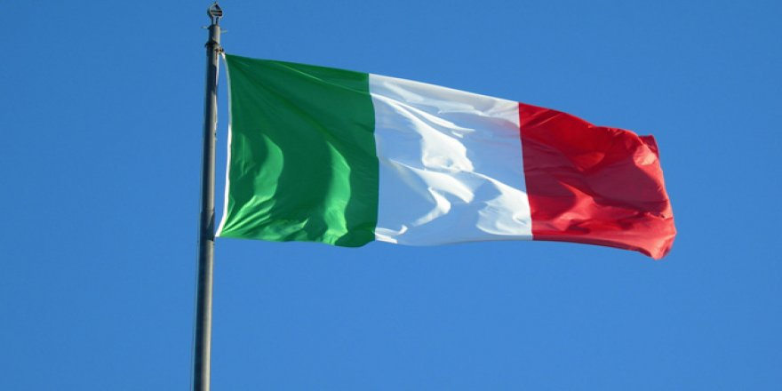 Avrupa'nın üstünde dolaşan hayalet: İtalya referandumu
