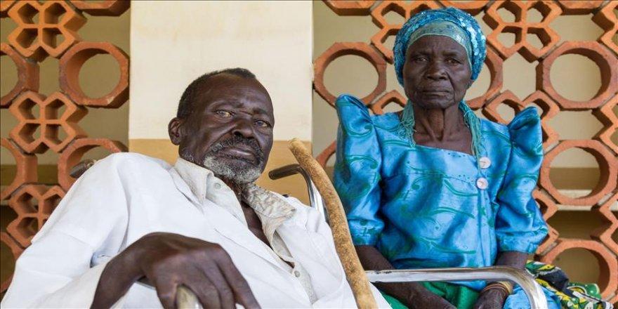 Ugandalı çift yıllar sonra yeniden görmeye başladı