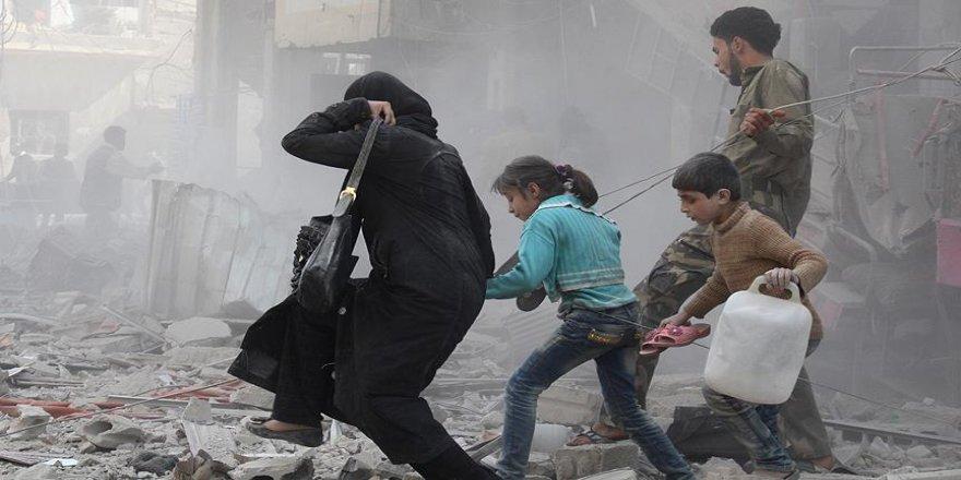 Suriye'de savaş uçakları kaçan sivilleri vurdu: 8 ölü