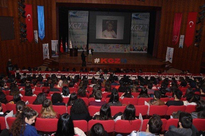 """Kariyer Kulübü'nden """"Kişisel Gelişim Zirvesi'16"""" etkinliği"""