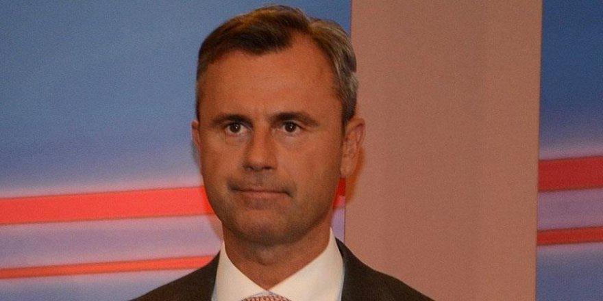 Türkiye karşıtı Hofer yenilgiyi kabul etti