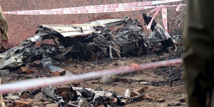 İspanya'da küçük uçak düştü: 4 ölü