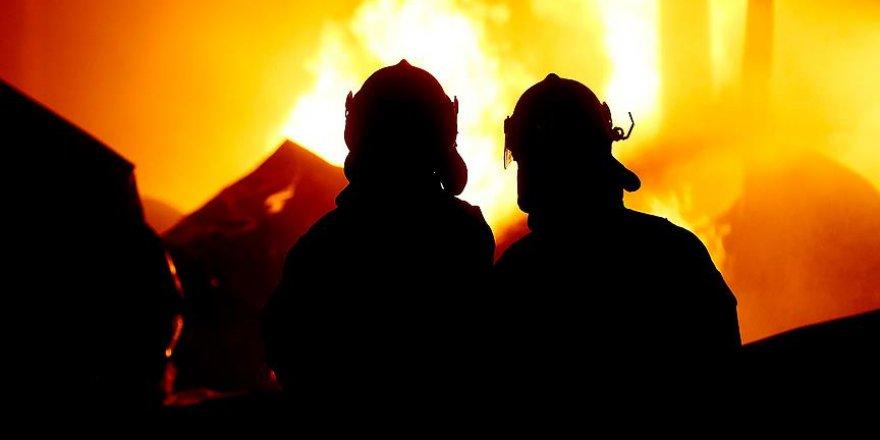 Pakistan'da otelde yangın:11 ölü, 75 yaralı